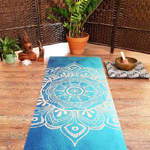 Mandala-Yoga-Mat-by-clickdomain.ir_.jpg